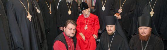 Викарные архиереи и благочинные Киевской епархии поздравили Блаженнейшего Митрополита Владимира с Пасхой