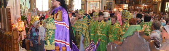 Община храма преп. Серафима Саровского молитвенно отпраздновала храмовый праздник
