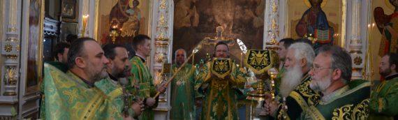 Настоятель и духовенство нашего храма приняли участие в праздновании престольного праздника храма в честь преподобного Серафима Саровского Оболонского благочиния.
