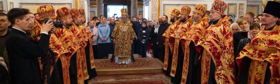 Благочинный Оболонского района принял участие в поздравлении Блаженнейшего Митрополита Онуфрия с Пасхой в Киево-Печерской Лавре.