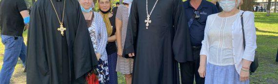 Духовенство и верующие Оболонского благочиния приняли участие в молитвенном стоянии возле Верховной Рады.